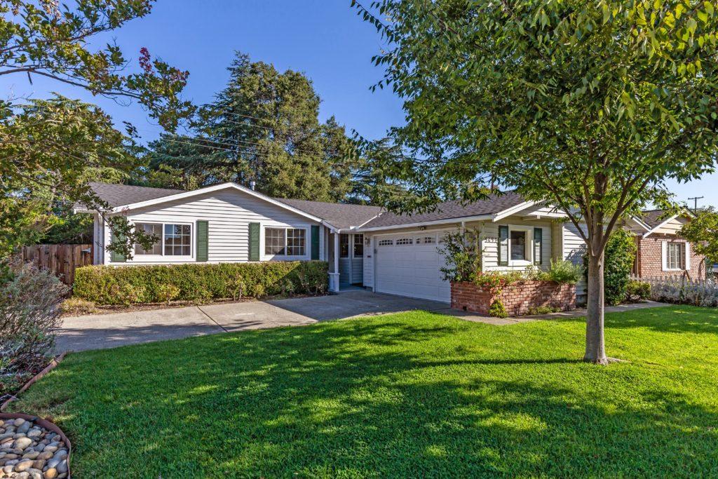 5095 Elmwood Dr, San Jose, CA 95130 1